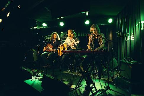 TRADEMARK-Trio